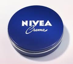 Nivea lata azul